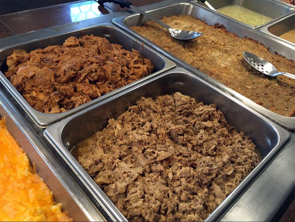 BBQ Trays at Radd Dew's Bar-B-Que Pit
