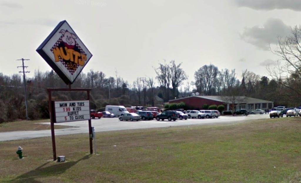 Mutt's BBQ in Easley, SC